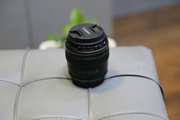 لنز دست دوم Canon lens 85mm f1.8