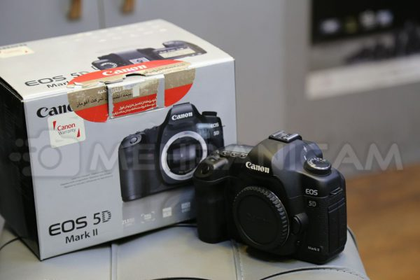 دوربین دست دوم Canon 5d mark 2 body