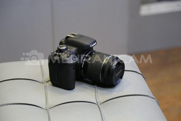 دوربین دست دوم Canon 750d kit 18_55mm is stm