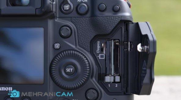 نمایی از جای کارت حافظه دوربین Canon EOS 1D X Mark III