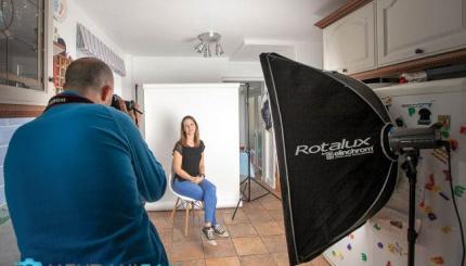 راه اندازی استودیوی کوچک برای عکاسی از چهره در منزل